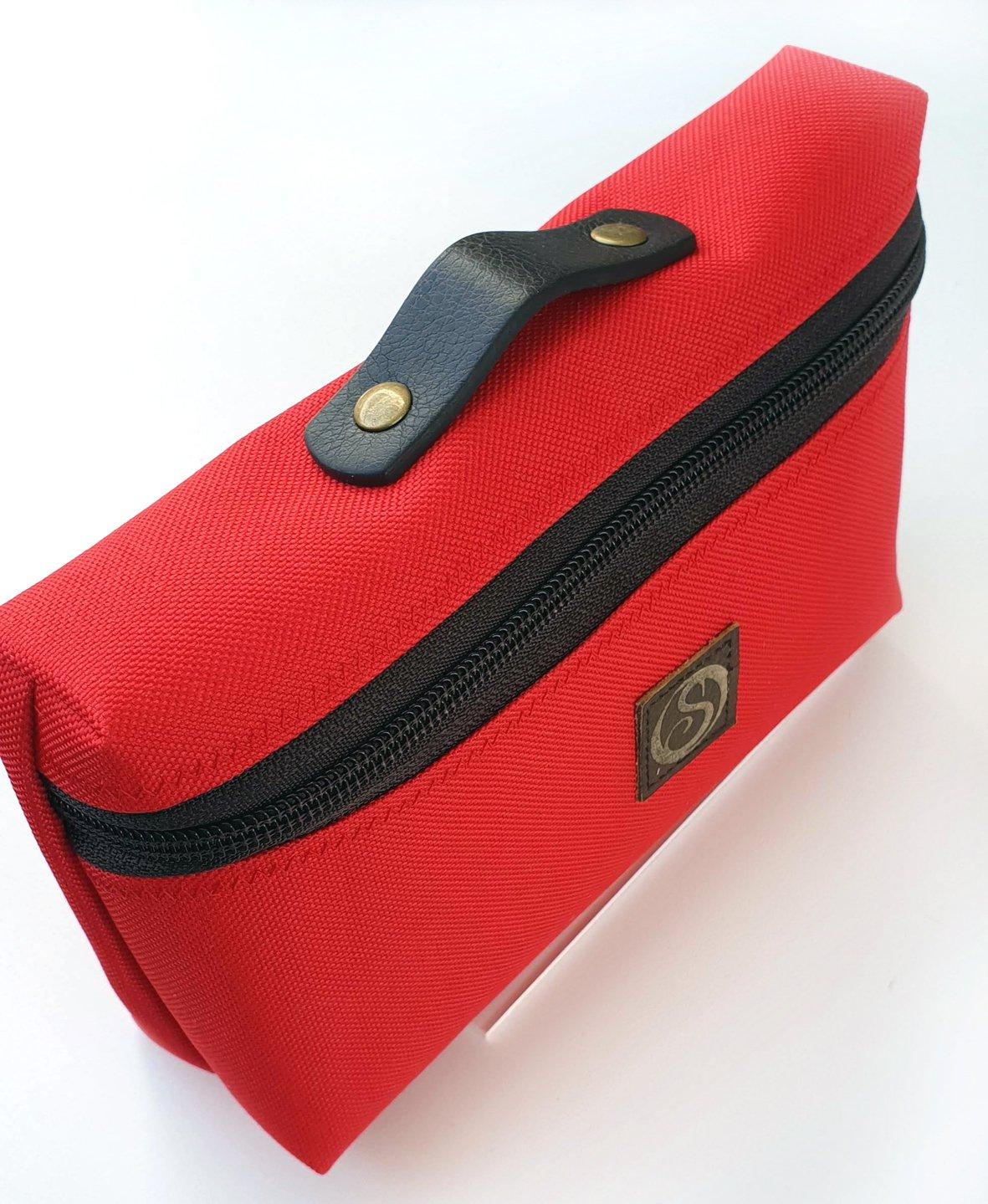 zip pouch 1.jpg